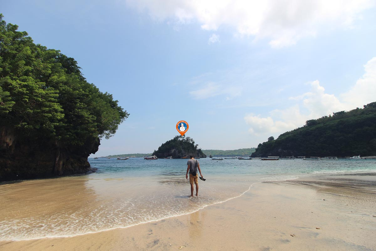 Objek Wisata Pantai Crystal Bay Nusa Penida